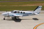 B14A3062Kさんが、神戸空港で撮影した学校法人ヒラタ学園 航空事業本部 Baron G58の航空フォト(写真)