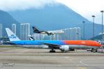 少年のjasonさんが、香港国際空港で撮影したKLMオランダ航空 777-306/ERの航空フォト(写真)