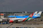ケンジウムさんが、アムステルダム・スキポール国際空港で撮影したケニア航空 787-8 Dreamlinerの航空フォト(写真)