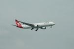 garrettさんが、シンガポール・チャンギ国際空港で撮影したカンタス航空 A330-303の航空フォト(写真)