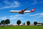 まいけるさんが、ロンドン・ヒースロー空港で撮影したヴァージン・アトランティック航空 A340-642の航空フォト(写真)