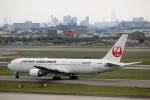 ハピネスさんが、伊丹空港で撮影した日本航空 767-346/ERの航空フォト(写真)