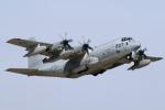 やまびこさんが、岩国空港で撮影したアメリカ海兵隊 KC-130J Herculesの航空フォト(写真)