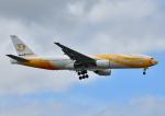 じーく。さんが、成田国際空港で撮影したノックスクート 777-212/ERの航空フォト(写真)