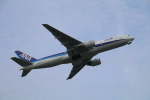 myoumyoさんが、福岡空港で撮影した全日空 777-281/ERの航空フォト(写真)