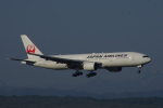 eagle-driver1998さんが、新千歳空港で撮影した日本航空 777-289の航空フォト(写真)