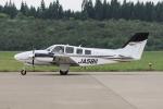 西風さんが、大館能代空港で撮影した航空大学校 G58 Baronの航空フォト(写真)