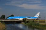 ケンジウムさんが、アムステルダム・スキポール国際空港で撮影したKLMオランダ航空 787-9の航空フォト(写真)