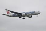 北の熊さんが、新千歳空港で撮影した日本航空 777-289の航空フォト(写真)