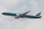 トールさんが、香港国際空港で撮影したキャセイパシフィック航空 777-367/ERの航空フォト(写真)