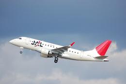 はみんぐばーどさんが、名古屋飛行場で撮影したジェイ・エア ERJ-170-100 (ERJ-170STD)の航空フォト(写真)