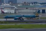 Mochi7D2さんが、羽田空港で撮影したベトナム航空 A350-941XWBの航空フォト(写真)