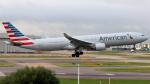 誘喜さんが、ロンドン・ヒースロー空港で撮影したアメリカン航空 A330-323Xの航空フォト(写真)