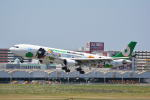 LEGACY-747さんが、福岡空港で撮影したエバー航空 A330-302Xの航空フォト(写真)