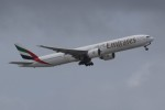 NIKEさんが、マレ・フルレ国際空港で撮影したエミレーツ航空 777-36N/ERの航空フォト(写真)