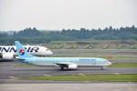 よんすけさんが、成田国際空港で撮影した大韓航空 737-9B5の航空フォト(写真)