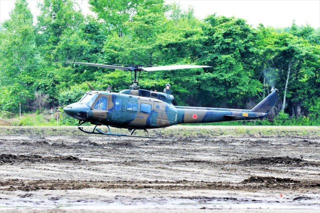 hidetsuguさんが、北千歳駐屯地で撮影した陸上自衛隊 UH-1Jの航空フォト(飛行機 写真・画像)