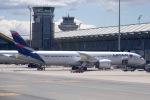 cornicheさんが、マドリード・バラハス国際空港で撮影したラタム・エアラインズ・チリ 787-9の航空フォト(飛行機 写真・画像)