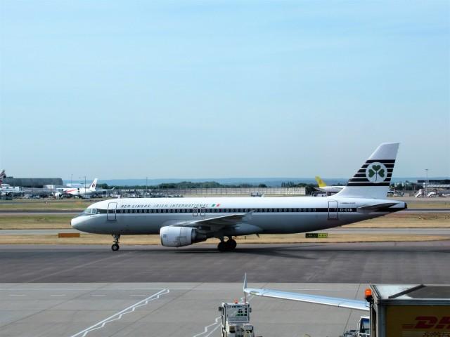 エア・リンガス Airbus A320-200...