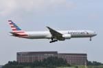さくらの城南山。さんが、成田国際空港で撮影したアメリカン航空 777-323/ERの航空フォト(飛行機 写真・画像)