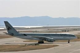 にしやんさんが、関西国際空港で撮影したカタール航空 A330-202の航空フォト(飛行機 写真・画像)