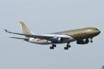 Jyunpei Ohyamaさんが、ロンドン・ヒースロー空港で撮影したガルフ・エア A330-243の航空フォト(写真)