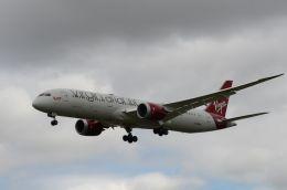 はれいろさんが、ロンドン・ヒースロー空港で撮影したヴァージン・アトランティック航空 787-9の航空フォト(飛行機 写真・画像)