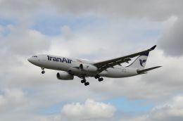 はれいろさんが、ロンドン・ヒースロー空港で撮影したイラン航空 A330-243の航空フォト(飛行機 写真・画像)