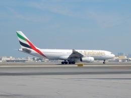 cornicheさんが、バーレーン国際空港で撮影したエミレーツ航空 A330-243の航空フォト(写真)