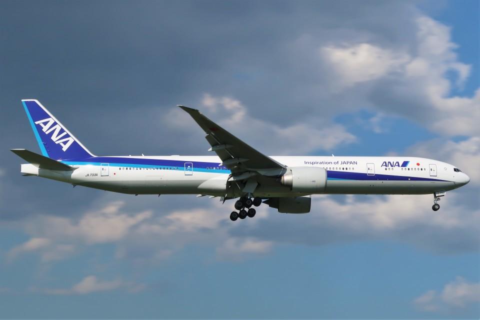 らむえあたーびんさんの全日空 Boeing 777-300 (JA733A) 航空フォト