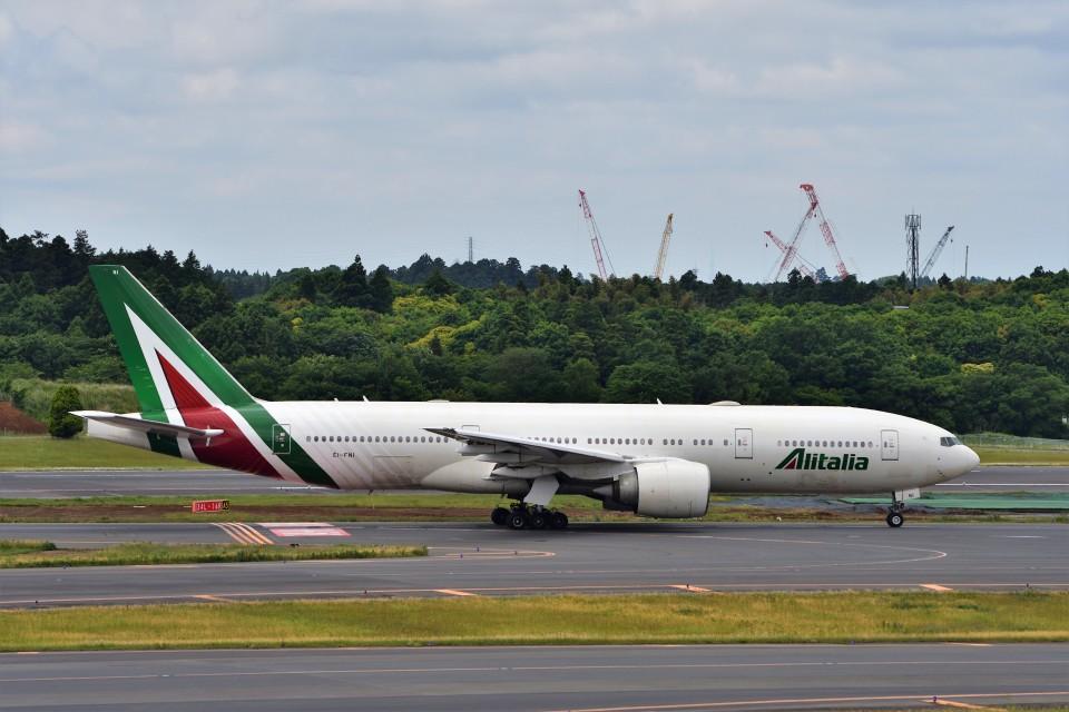 T.Sazenさんのアリタリア航空 Boeing 777-200 (EI-FNI) 航空フォト