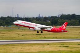 jombohさんが、デュッセルドルフ国際空港で撮影したアトラスグローバル A321-231の航空フォト(飛行機 写真・画像)