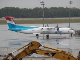 TUILANYAKSUさんが、ルクセンブルグ・フィンデル空港で撮影したルクスエア DHC-8-402Q Dash 8の航空フォト(飛行機 写真・画像)