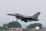 ファントム無礼さんが、横田基地で撮影したアメリカ空軍 F-16CM-50-CF Fighting Falconの航空フォト(写真)