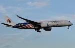 柏の子?さんが、成田国際空港で撮影したマレーシア航空 A350-941XWBの航空フォト(写真)