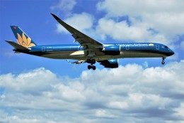 yoshibouさんが、成田国際空港で撮影したベトナム航空 A350-941の航空フォト(飛行機 写真・画像)