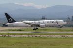 チャッピー・シミズさんが、小松空港で撮影した全日空 777-281の航空フォト(写真)