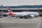 ちゃぽんさんが、成田国際空港で撮影したアメリカン航空 777-223/ERの航空フォト(写真)