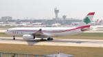 誘喜さんが、アタテュルク国際空港で撮影したミドル・イースト航空 A330-243の航空フォト(写真)