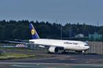 T.Sazenさんが、成田国際空港で撮影したルフトハンザ・カーゴ 777-FBTの航空フォト(写真)