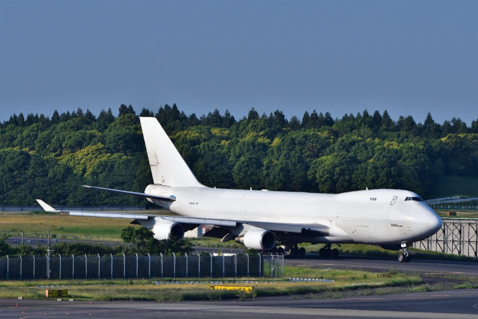 T.Sazenさんのウィルミントン・トラスト・カンパニー Boeing 747-400 (N404KZ) 航空フォト