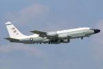 マリオ先輩さんが、横田基地で撮影したアメリカ空軍 RC-135W (717-158)の航空フォト(写真)