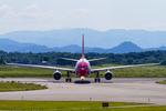 カヤノユウイチさんが、米子空港で撮影したエーデルワイス航空 A330-223の航空フォト(飛行機 写真・画像)
