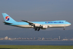 キイロイトリさんが、関西国際空港で撮影した大韓航空 747-8HTFの航空フォト(写真)