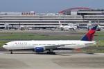 camelliaさんが、羽田空港で撮影したデルタ航空 777-232/ERの航空フォト(写真)