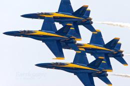 Airliners Freakさんが、リパブリック空港で撮影したアメリカ海軍 F/A-18C Hornetの航空フォト(飛行機 写真・画像)