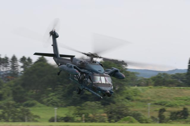八雲分屯基地、創立41周年記念行事 RF-4EやUH-60Jが飛行 | FlyTeam ニュース