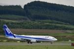 シャークレットさんが、旭川空港で撮影した全日空 737-881の航空フォト(写真)
