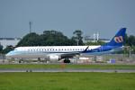 トロピカルさんが、成田国際空港で撮影したマンダリン航空 ERJ-190-100 IGW (ERJ-190AR)の航空フォト(写真)