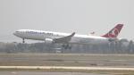 誘喜さんが、アタテュルク国際空港で撮影したターキッシュ・エアラインズ A330-303の航空フォト(写真)